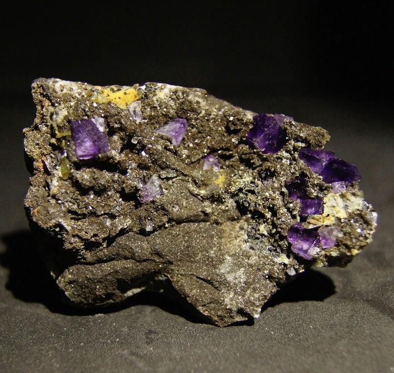 Fotos de minerales fluorescentes Fullsi78