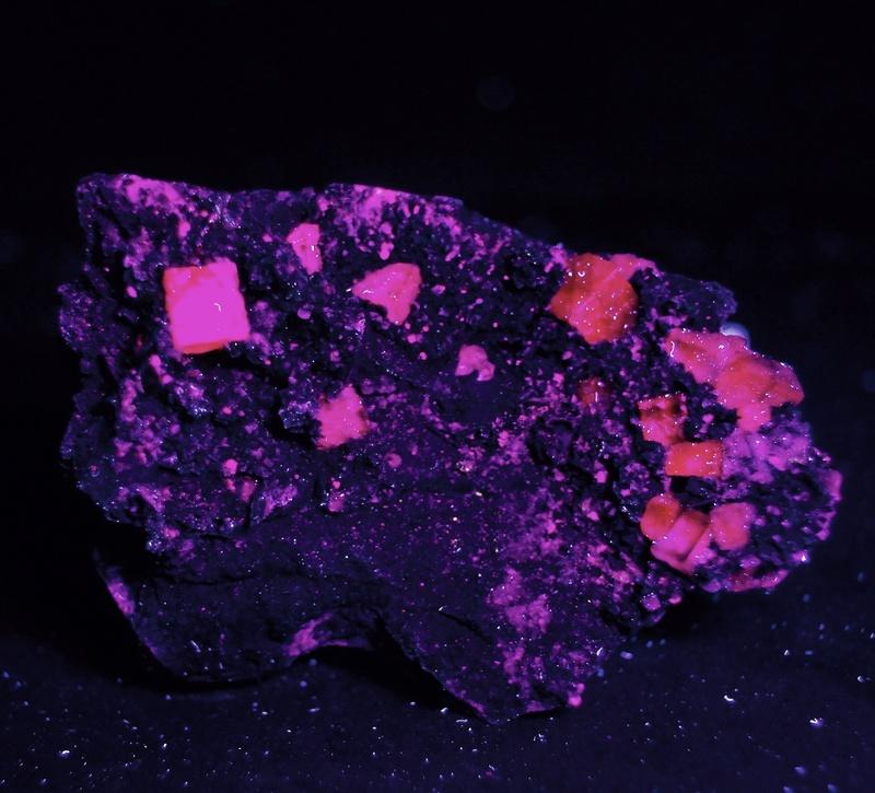 Fotos de minerales fluorescentes Fullsi79