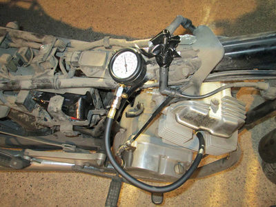 Crónica nigromántica: resurrección de una Honda CB250 de 1999 Comp10