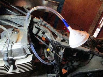 Crónica nigromántica: resurrección de una Honda CB250 de 1999 Embudo10