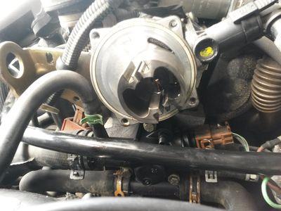 [ Renault scenic an 2003 ] Remontage pompe a vide démontée (résolu) 20170910