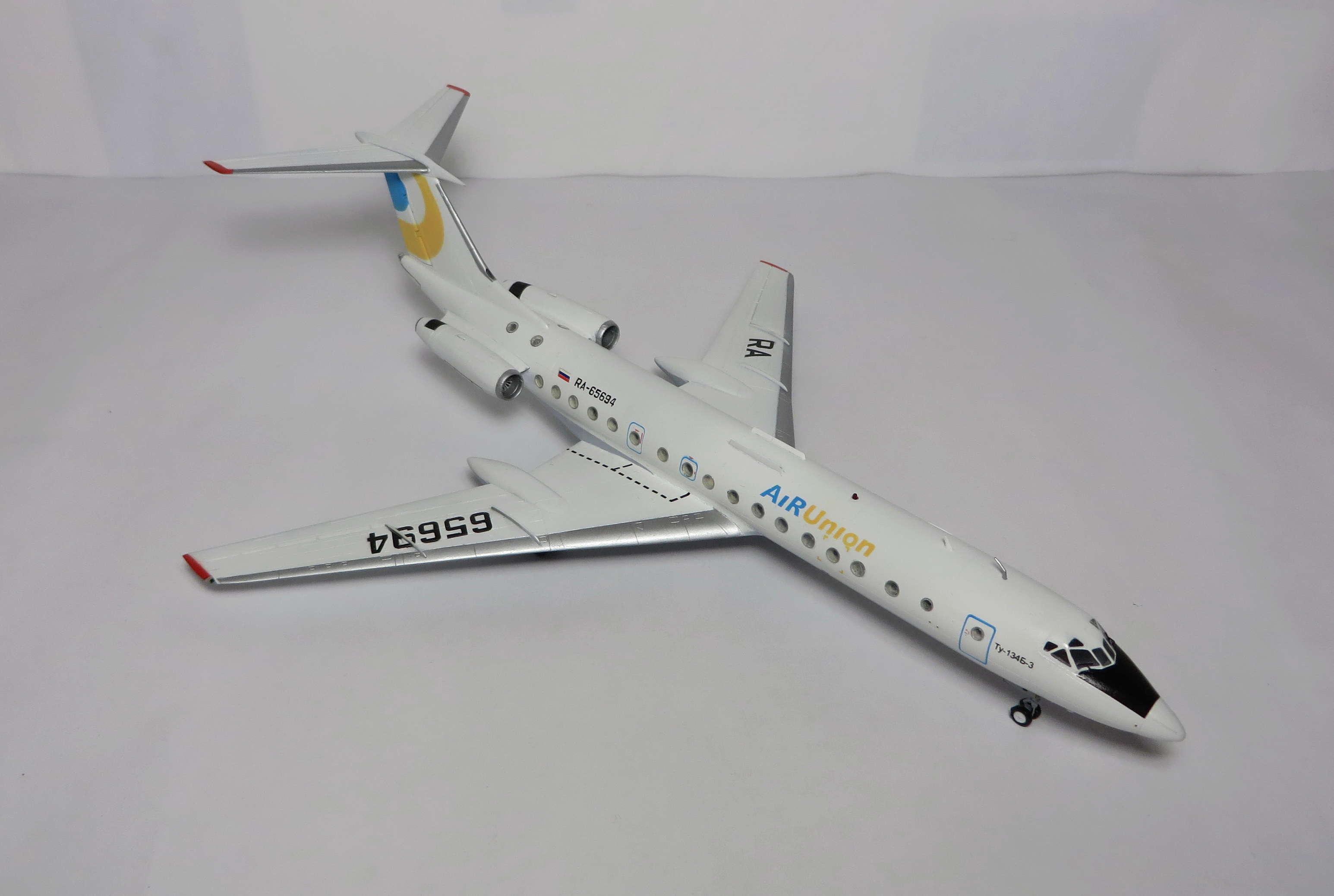 Ту-134Б-3 - RA-65694 - ZVEZDA 1/144 Img_6110