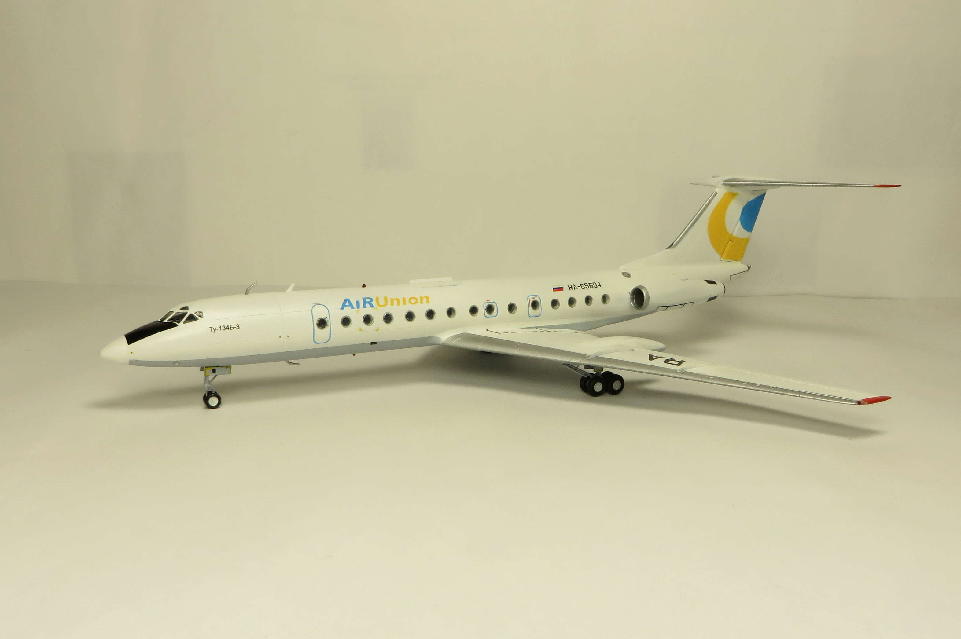 Ту-134Б-3 - RA-65694 - ZVEZDA 1/144 Img_6211