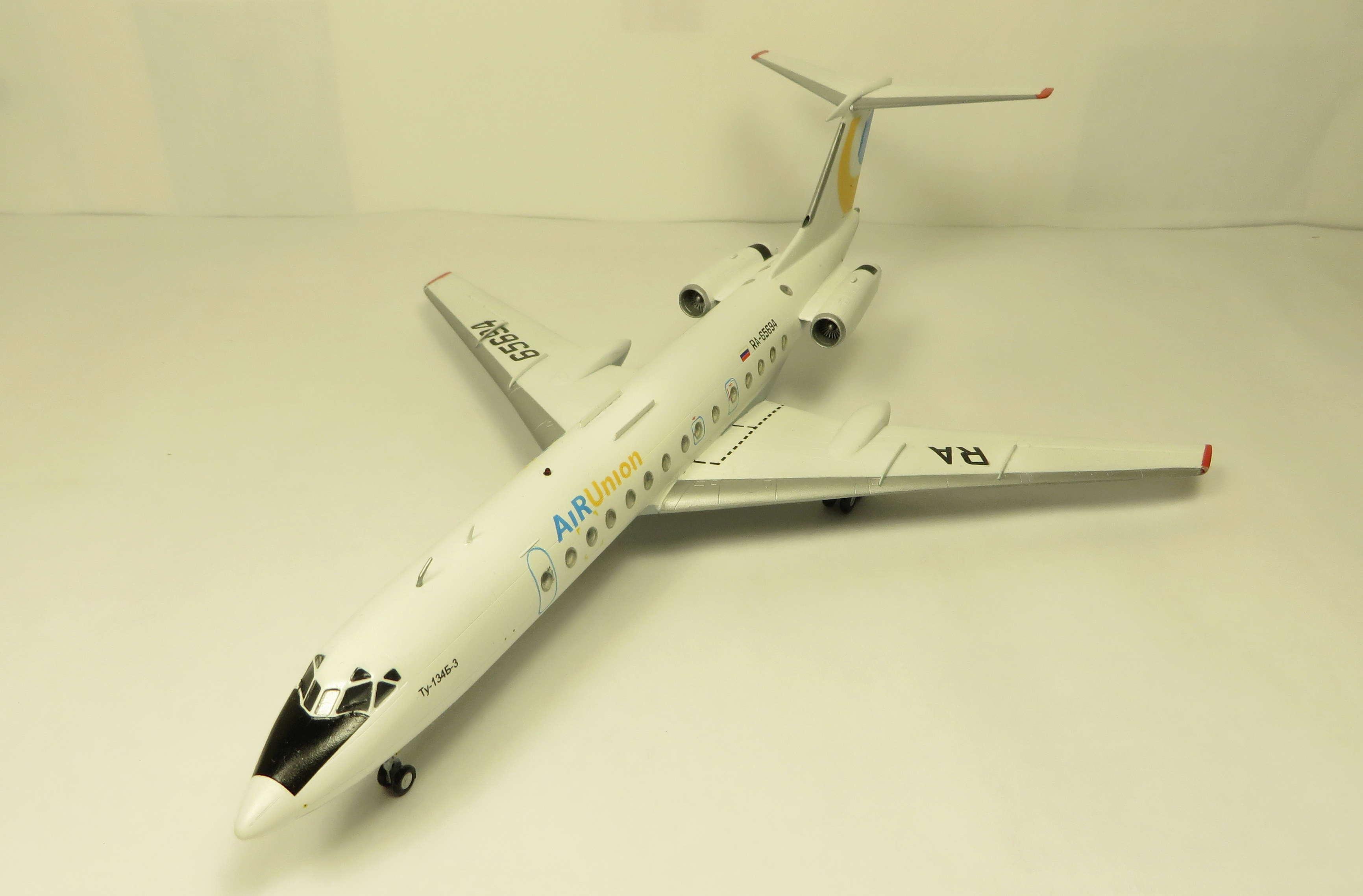 Ту-134Б-3 - RA-65694 - ZVEZDA 1/144 Img_6310