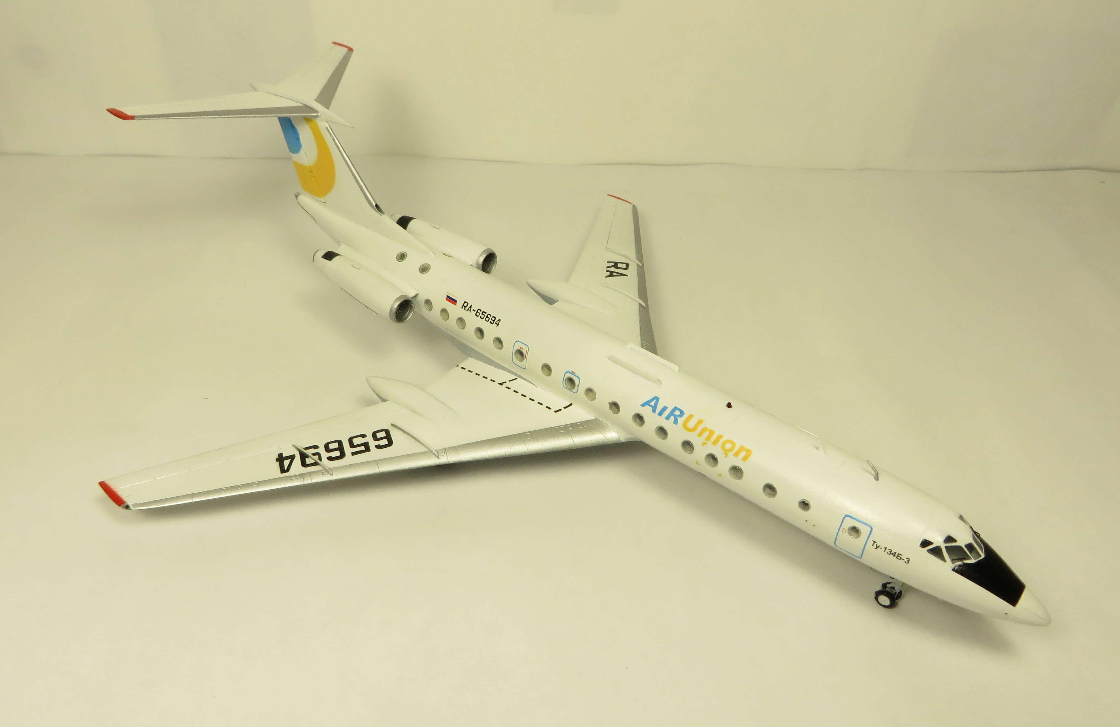 Ту-134Б-3 - RA-65694 - ZVEZDA 1/144 Img_6311