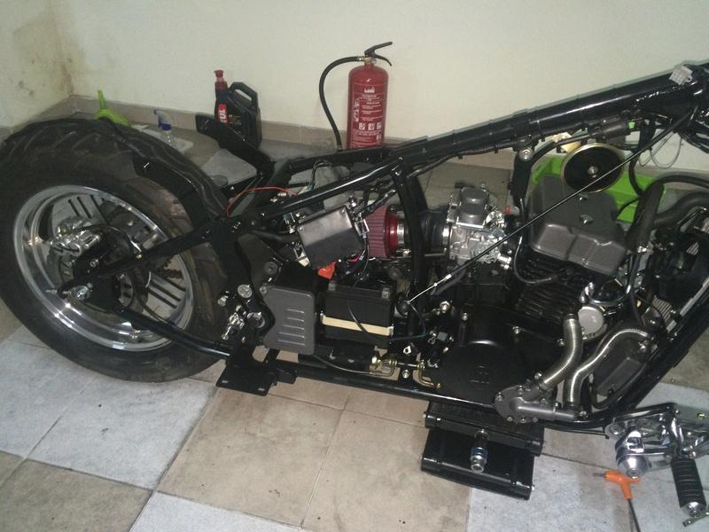 Personalização de Leonart Spyder 125cc  Img_4812