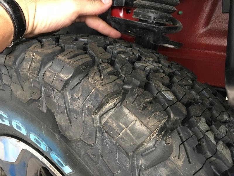 Medida do pneu BF para a versao 1.8 SPORT R16 Img_0712