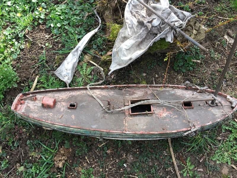 restauration maquette navigante ancienne d'un lougre de guerre/chasse début 19ème _5711