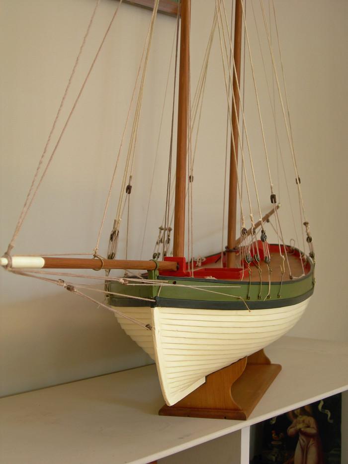 restauration maquette navigante ancienne d'un lougre de guerre/chasse début 19ème Dscn6620