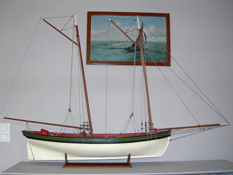 restauration maquette navigante ancienne d'un lougre de guerre/chasse début 19ème Dscn6621