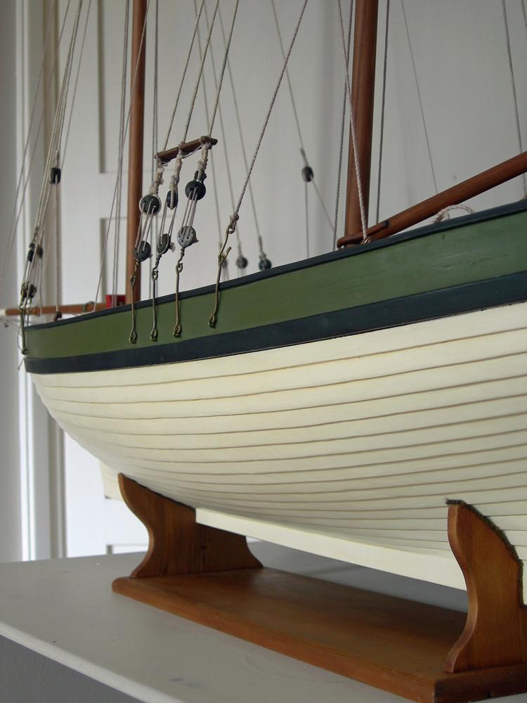 restauration maquette navigante ancienne d'un lougre de guerre/chasse début 19ème Dscn6624