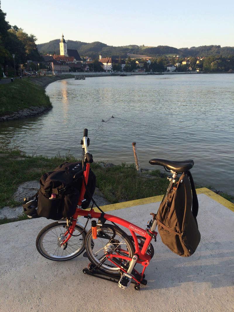 Les Dolomites et le Danube autrichien en Brompton Img_0811