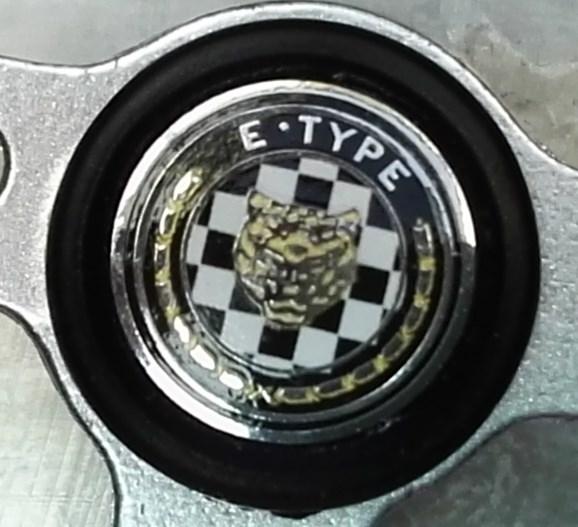 Der Jaguar E-Type von DeAgostini in 1:8 Hupe10