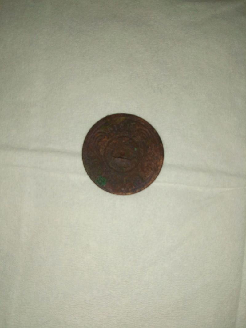 2 objets inconnus (dont une pièce)  Img_2011