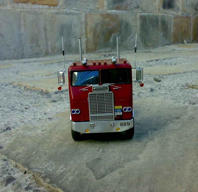 CAMION FREIGHTLINER 1/32 08112020