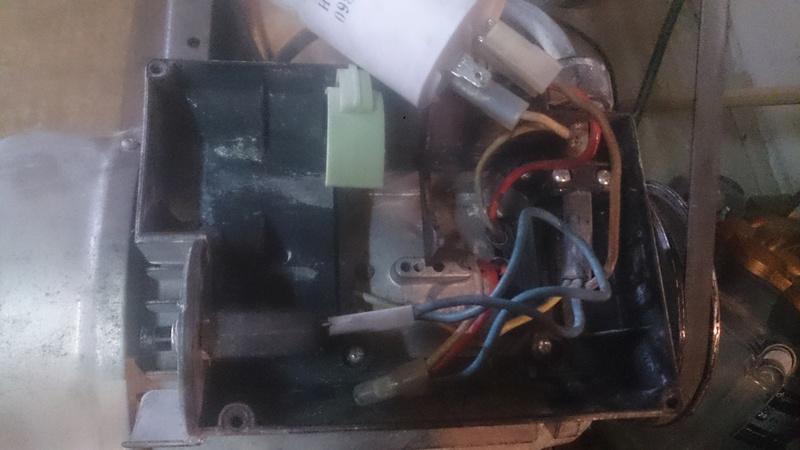 Problème moteur compresseur qui s'arrête rapidement après mise en route Dsc_0112