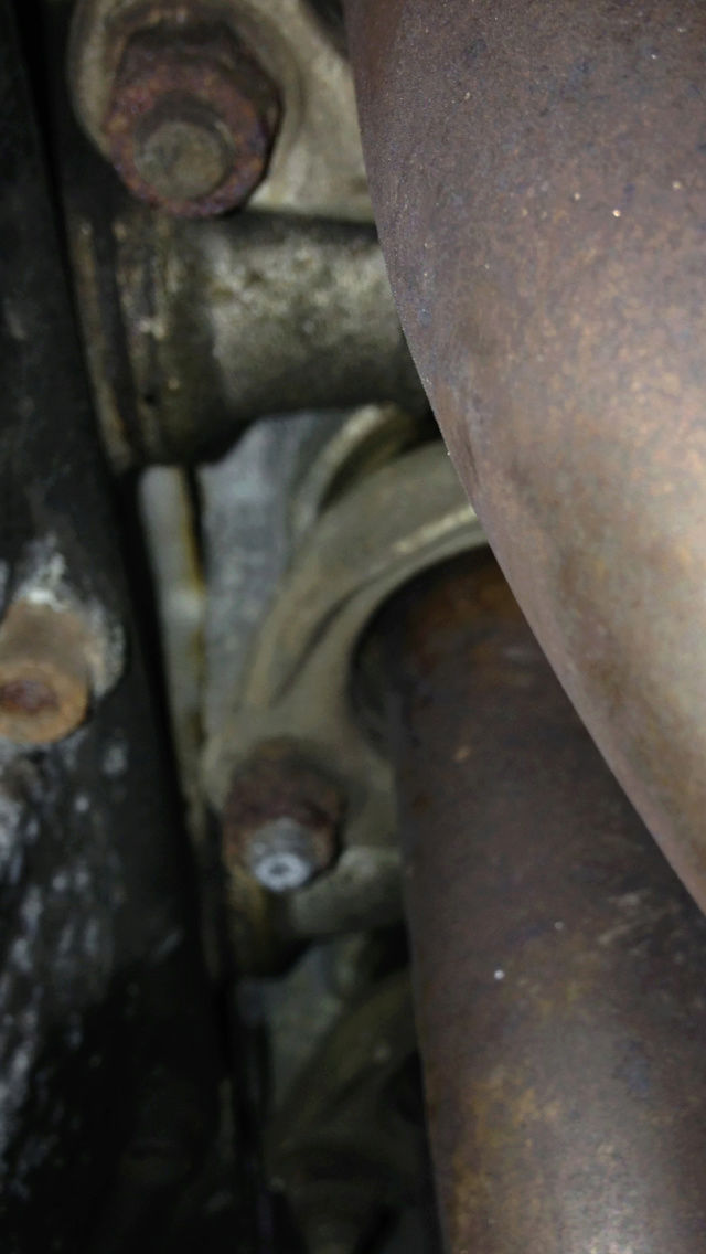 Exhaust Headers, should I be concerned Img_0014