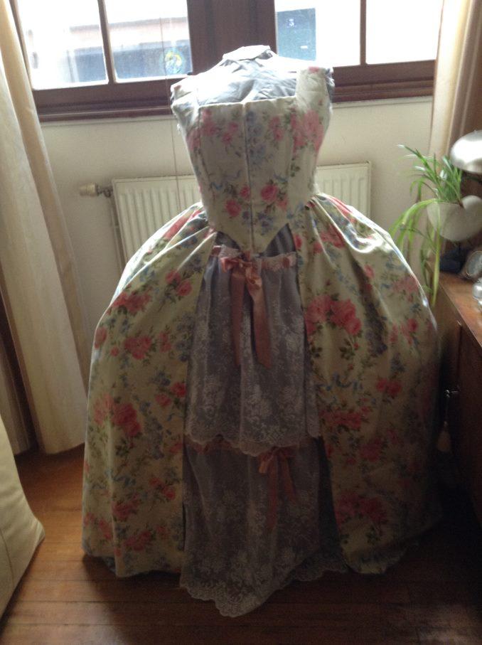 Ma (première) robe à la Francaise Img_0320