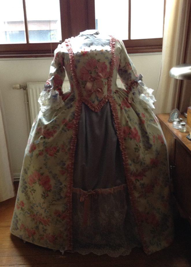 Ma (première) robe à la Francaise Img_0321