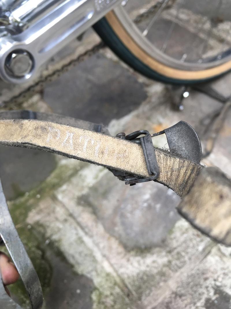 Trucs et astuces pour restaurer des sangles de cales pieds... ? Img_2911