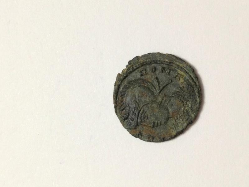 AE4 Conmemorativa de Roma. VRBS ROMA Img_4213