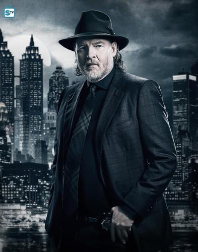Harvey Fucking Bullock Gotham17