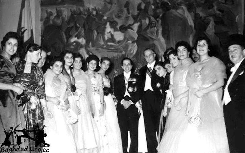 زيارة الملك فيصل الثاني الى لبنان ولقائه بطالبات عراقيات يدرسن على نفقة الدولة  A_oood10