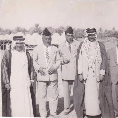 الشيخ عبد المحسن الجريان مع رئيس الوزراء الأسبق عبد الوهاب عبد الرزاق Oa__oo10