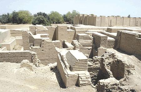 منظر عام لبقايا مدينة بابل الأثرية وسط العراق Ooa_o_10