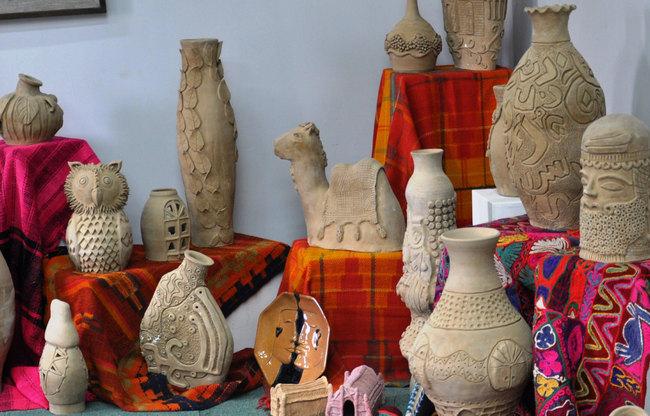 معروضات في إحدى قاعات مديرية التراث الشعبي التابعة لوزارة الثقافة العراقية Ou_ia_10