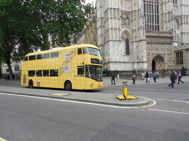 Les cars et bus anglais - Page 2 Wright12