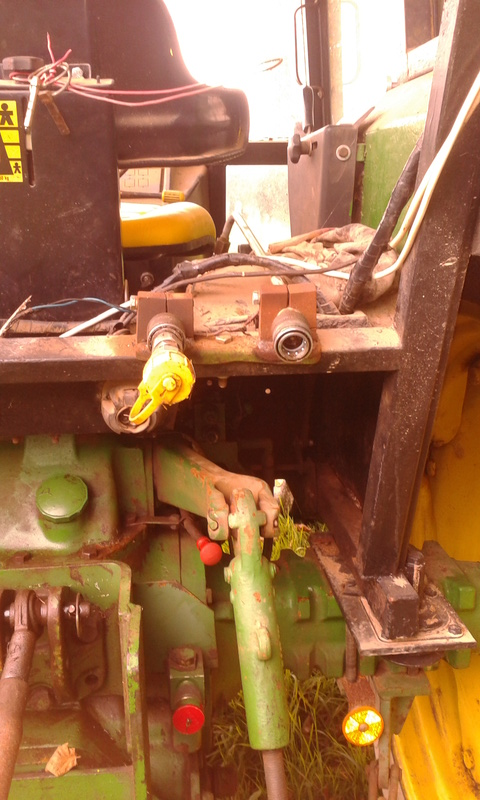 Soucis de branchement hydraulique pour le bennage sur mon 1140 2rm 20170911