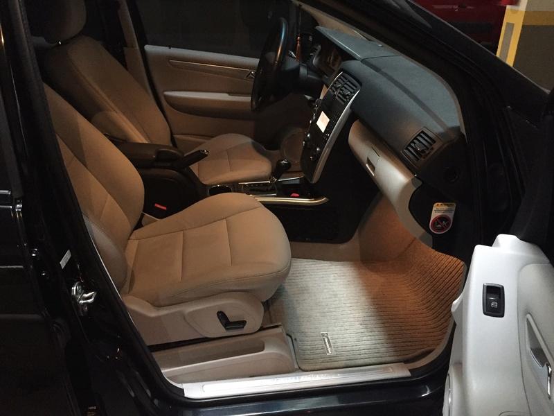 """(VENDIDO) W245 - Classe B180 2011/2011 - Estaciona """"sozinha"""" - R$38.000,00 Img_6325"""