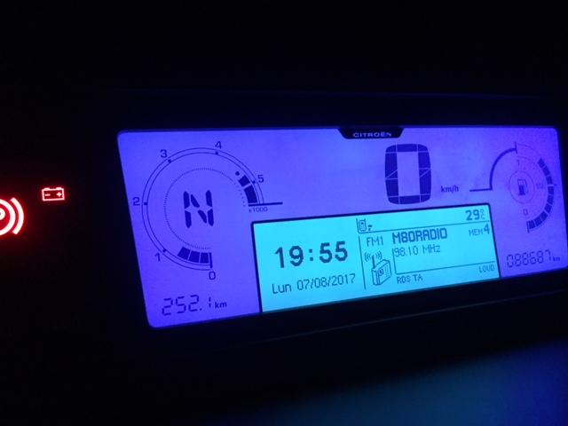 fallo en alternador,bateria o instalacion electrica. Img_5111