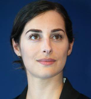 Amira Casar : Béatrice de Lorraine Amira110