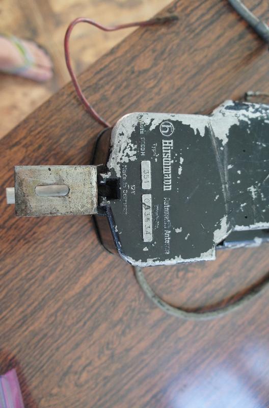 (VENDO) - Antena Elétrica Hirschmann Carcaça de Metal - R$ 250.00 Dsc06933