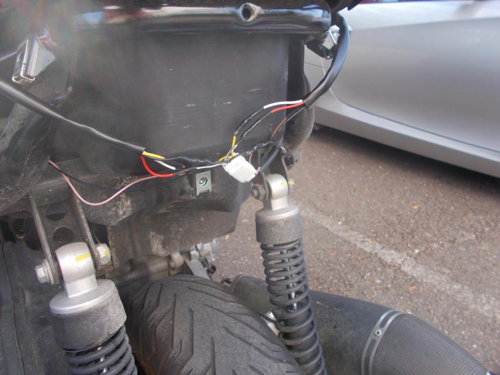 Changement des feux arrières d'origine par des feux leds Dscn0661