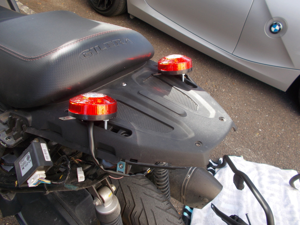 Changement des feux arrières d'origine par des feux leds Dscn0662