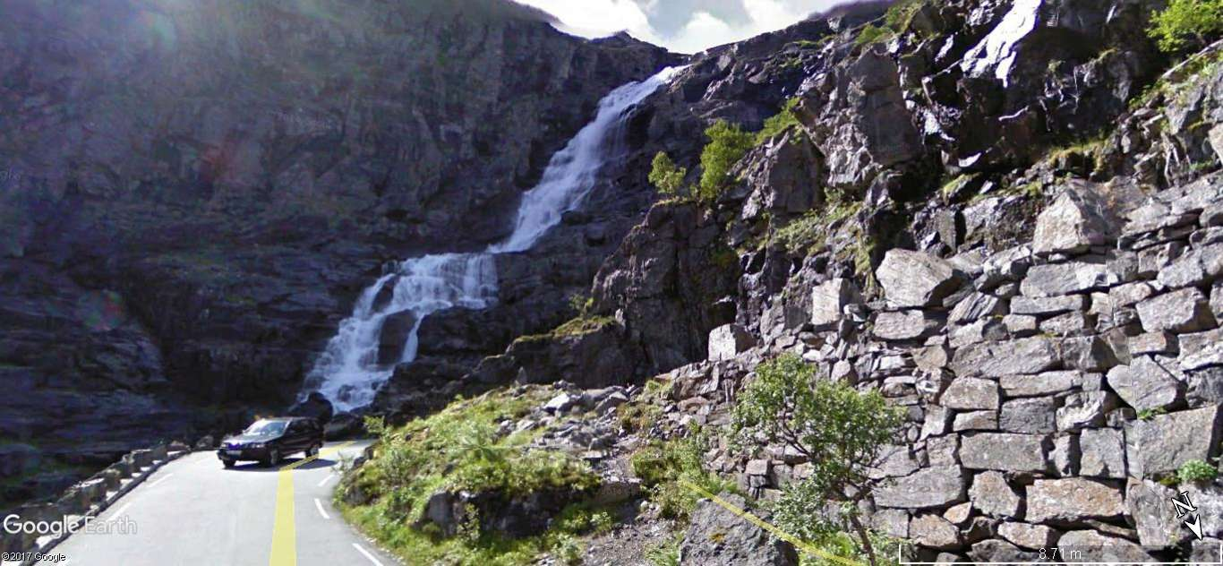 L'échelle du troll -Trollstigen en Norvège. Une route montagneuse spectaculaire A19