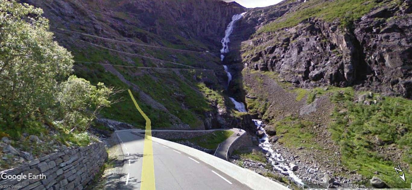 L'échelle du troll -Trollstigen en Norvège. Une route montagneuse spectaculaire A24