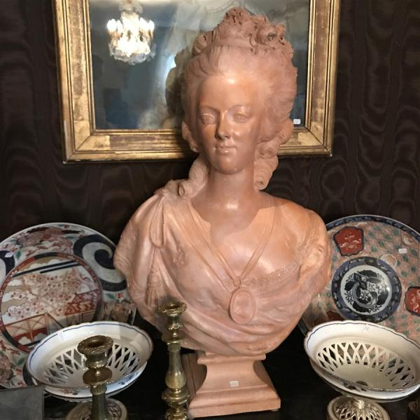 A vendre: bustes Marie Antoinette - Page 7 15069510