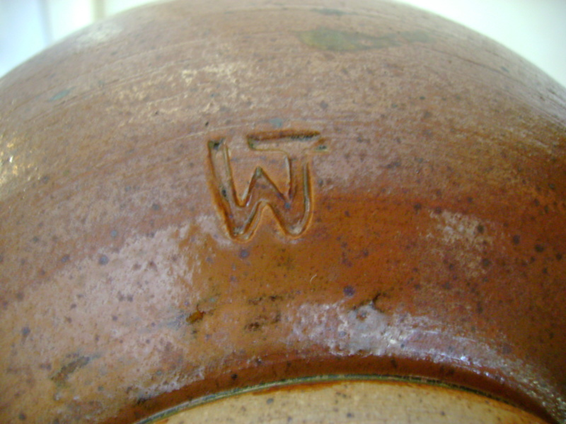 Stoneware, WJ or WT mark - Wendy Thompson Dsc08011