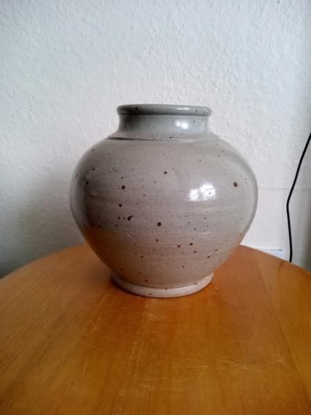 Bernard Forrester ? Stoneware vase for ID Img_2093