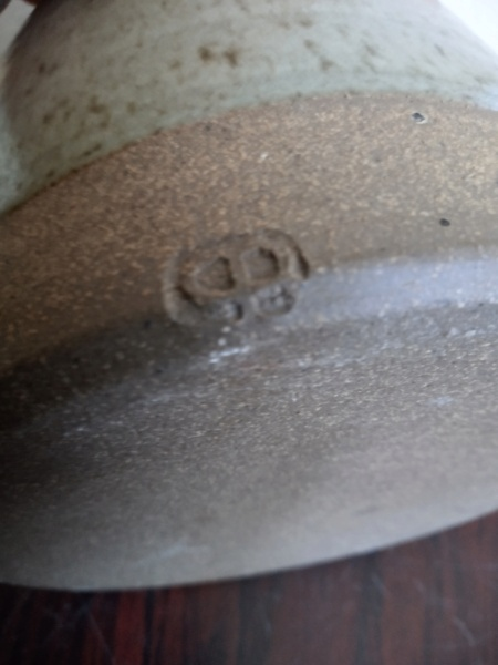 Lug handled lidded stoneware pot - Phil Rogers  Img_2289