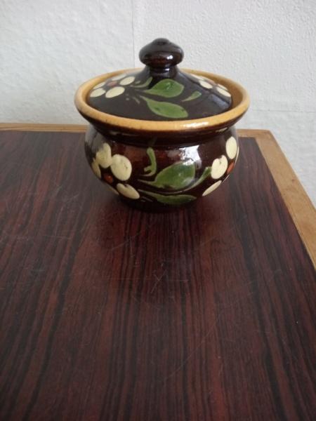 Old slipware pot - Alsace, France Img_2374