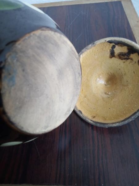 Old slipware pot - Alsace, France Img_2375