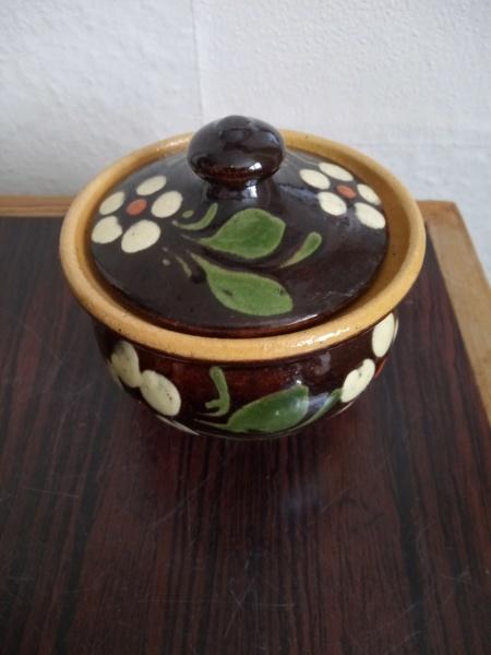Old slipware pot - Alsace, France Img_2376