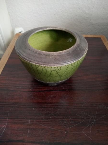 Small Raku pot by Stephen Kingsford  Img_2503