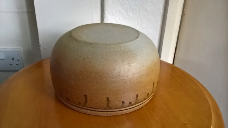 Unsigned stoneware bowl. Can I rule out it being a Batterham ? Wp_20128