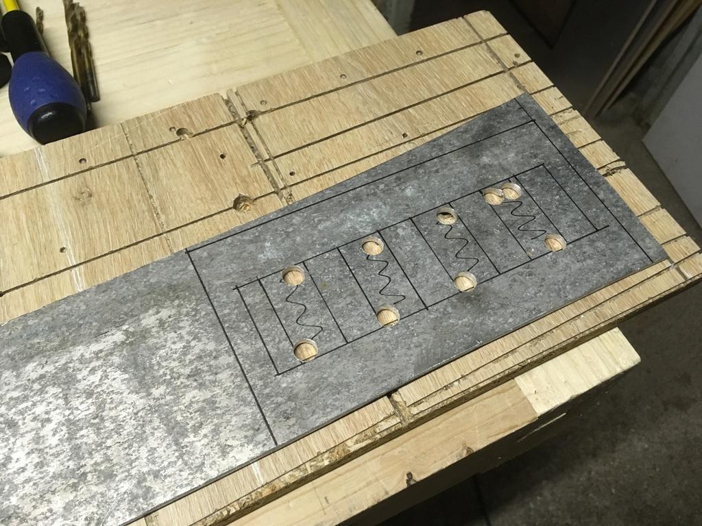 Conception et fabrication d'une mini combinée à bois - Page 2 Img_1815